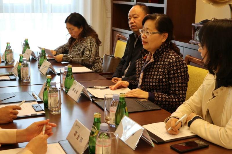 椿萱茂与国务院国资委纺织离退休干部局签署战略合作协议