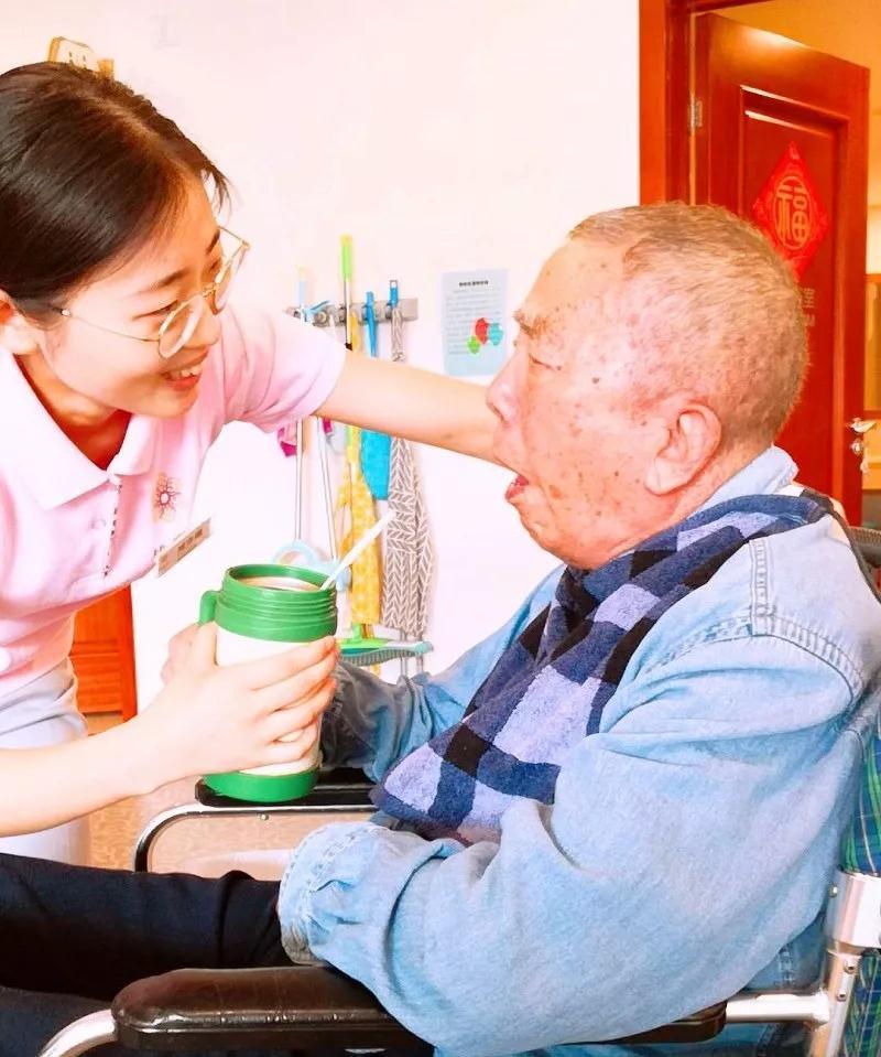 椿萱茂社区居家晚年养老公寓项目团队的故事
